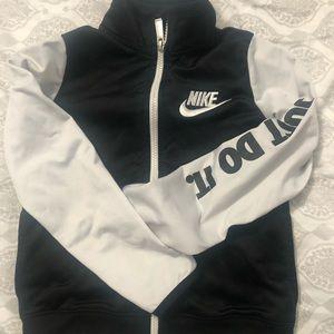 🆕 Nike Zip Up